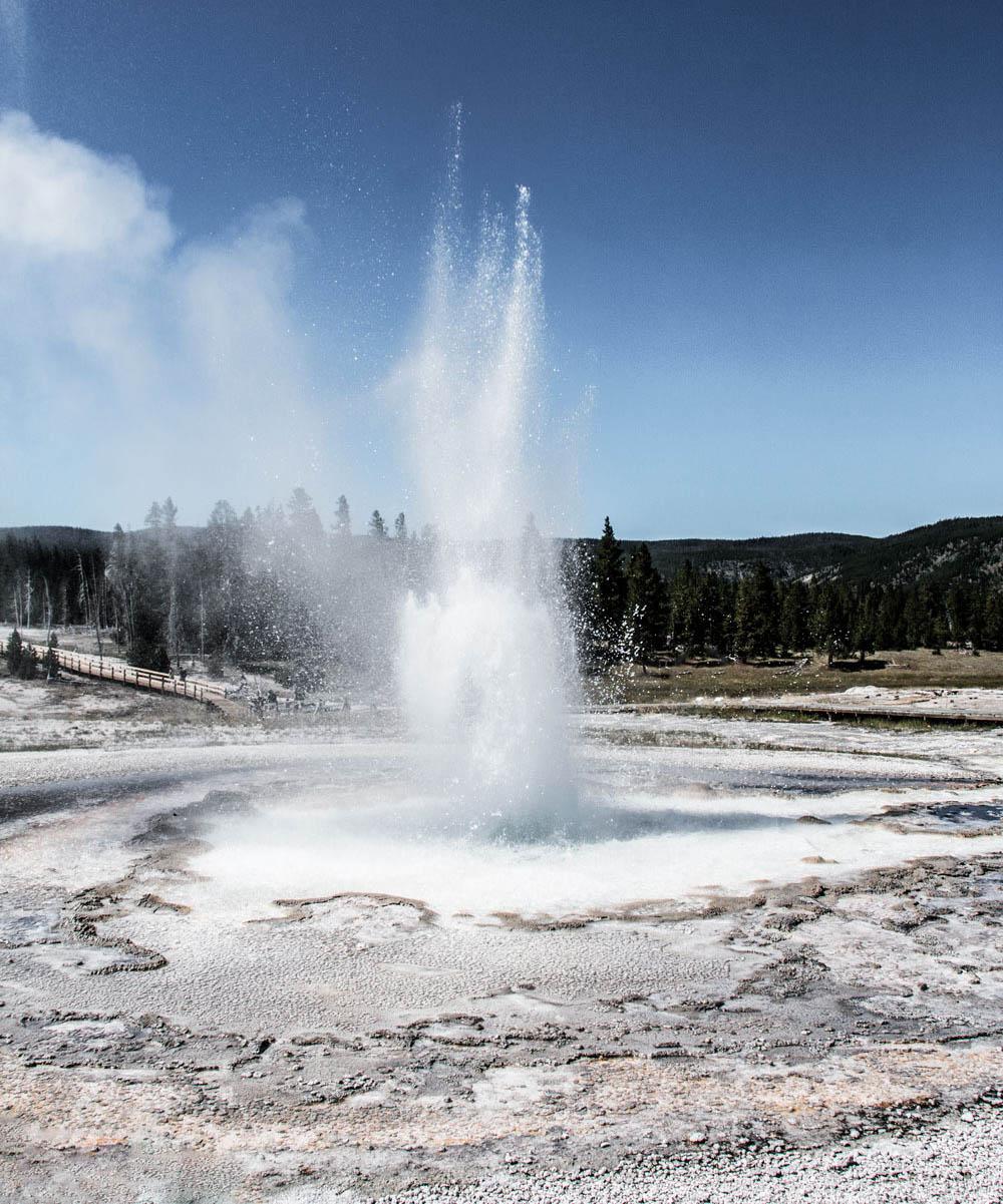 yellowstone cascade geyser