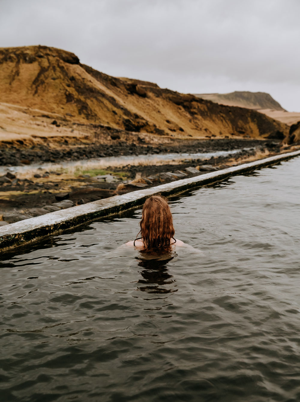 An itinerary to South Iceland in winter – northern lights, hot pools and ice caves