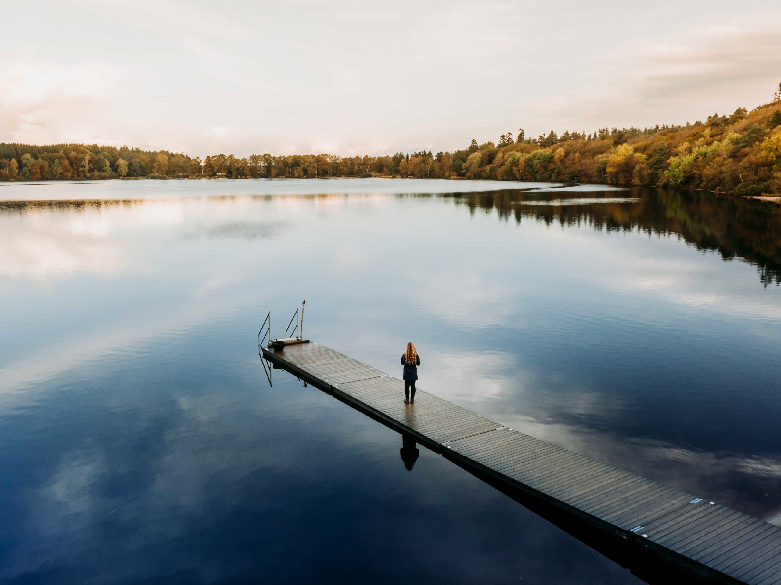 Store Økssø badebro med drone